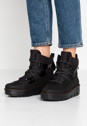GLACE BOOTS - Platåstøvletter - black