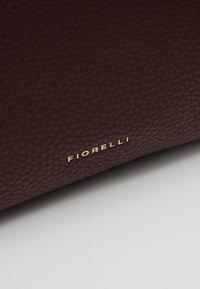 Fiorelli - LISA - Håndtasker - oxblood - 6