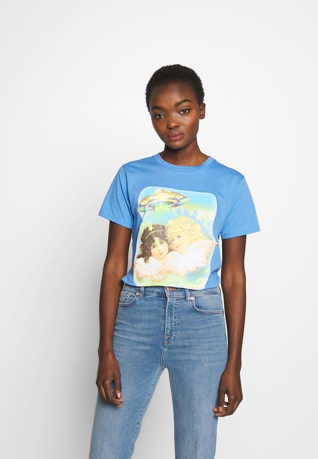 ANGELS UFO - Print T-shirt - pale blue