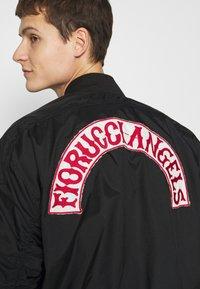 Fiorucci - ANGELS LOU  - Bomberjacks - black - 4