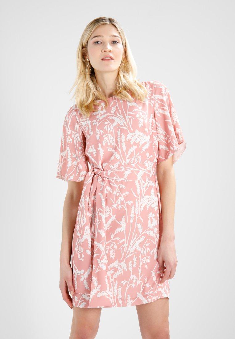 Finery London - COLCHESTER WAIST TIE DRESS - Robe d'été - field flowers