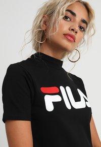 Fila Petite - EVERY TURTLE TEE PETITE - Camiseta estampada - black - 4