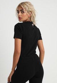 Fila Petite - EVERY TURTLE TEE PETITE - Camiseta estampada - black - 2