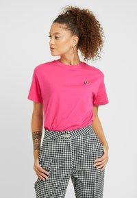 Fila Petite - NOVA TEE - Basic T-shirt - pink yarrow - 0