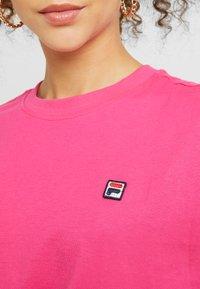 Fila Petite - NOVA TEE - Basic T-shirt - pink yarrow - 5