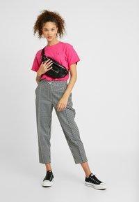 Fila Petite - NOVA TEE - Basic T-shirt - pink yarrow - 1