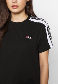 Fila Petite - TANDYTEE - Camiseta estampada - black/bright white - 5