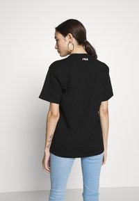 Fila Petite - PURETEE PETITE - Print T-shirt - black - 2