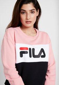 Fila Petite - LEAH CREW - Mikina - black/pink/bright white - 4