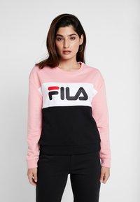 Fila Petite - LEAH CREW - Mikina - black/pink/bright white - 0