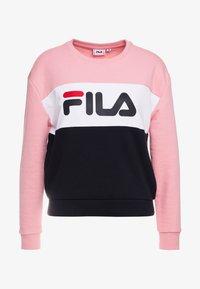 Fila Petite - LEAH CREW - Mikina - black/pink/bright white - 3