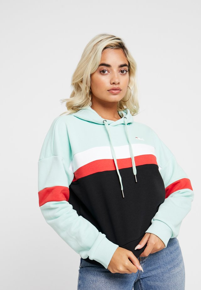 ELLA HOODY - Kapuzenpullover - mist green/black/bright white/true red