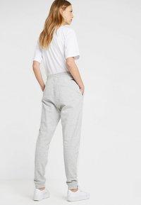 Fila Tall - PURE BASIC PANTS - Spodnie treningowe - light grey melange - 2