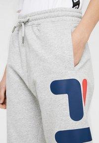 Fila Tall - PURE BASIC PANTS - Spodnie treningowe - light grey melange - 5
