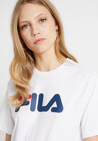 Fila Tall - PURE SLEEVE - T-shirts print - bright white - 3