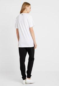 Fila Tall - PURE SLEEVE - T-shirts print - bright white - 2