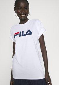 Fila Tall - PURE TEE - Print T-shirt -  bright white - 4