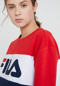 Fila Tall - LEAH CREW - Sweatshirt - black iris/true red/bright white - 3