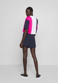 Fila Tall - BADU - Shorts - black iris/bright white - 2