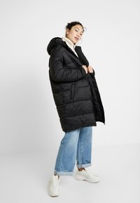 Fila Tall - BRONWED PUFF HOOD - Zimní kabát - black - 1