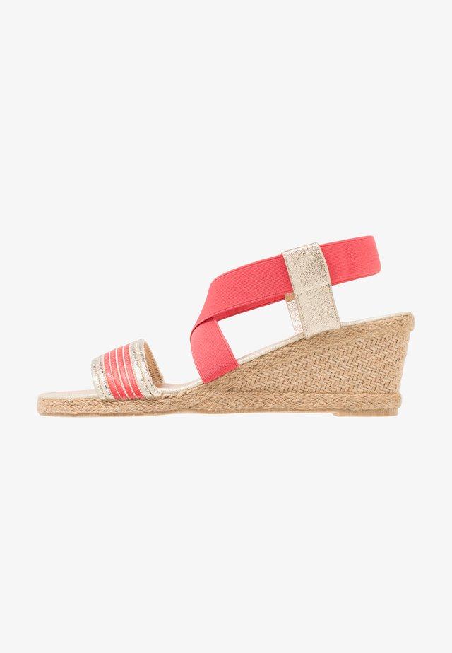 LEONIE - Wedge sandals - coral