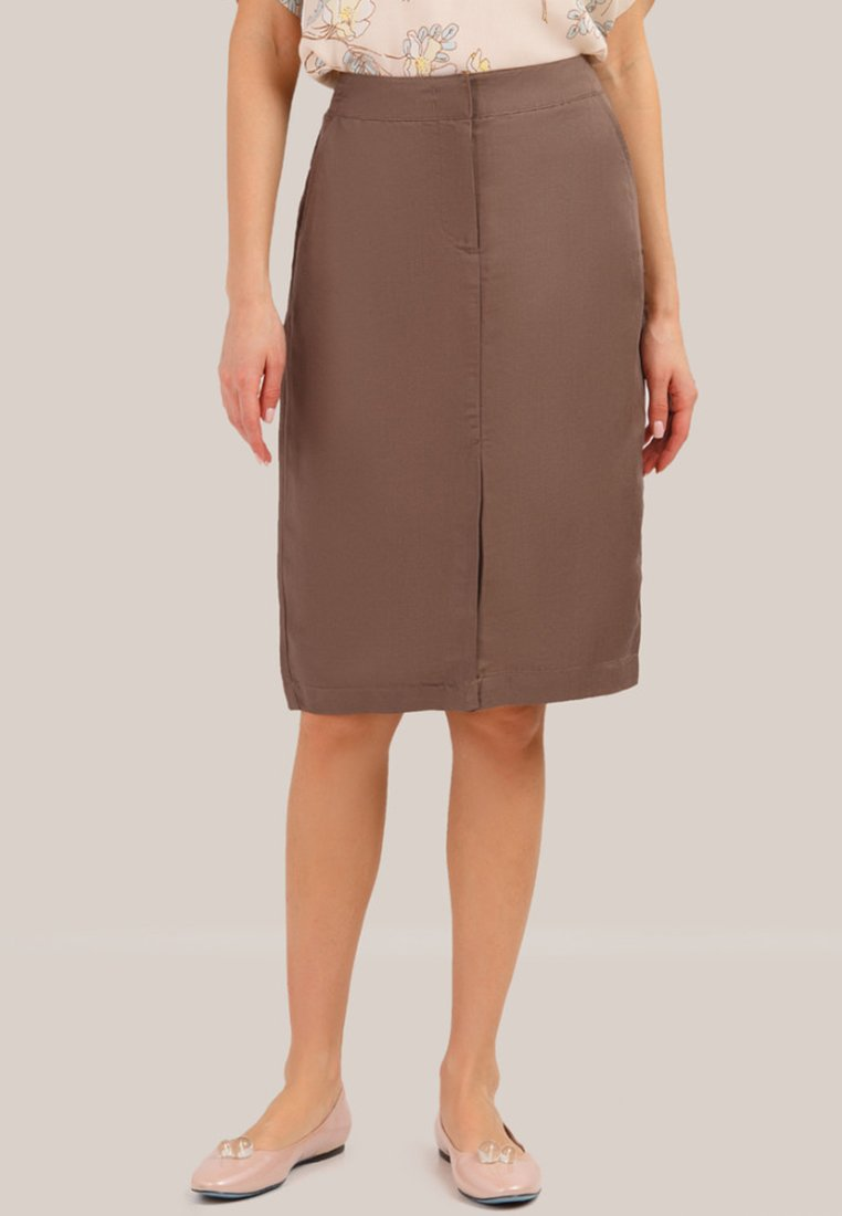 Finn Flare - MIT FIGURUMSPIELENDER PASSFORM - Pencil skirt - brown