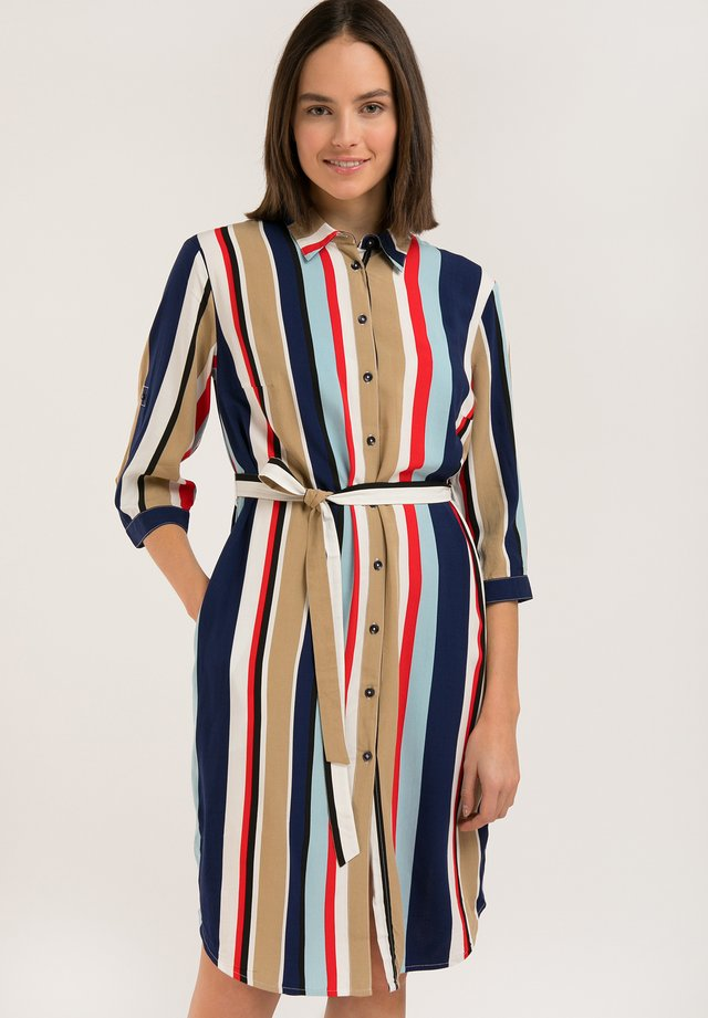 MIT BINDEGÜRTEL - Shirt dress - cosmic blue