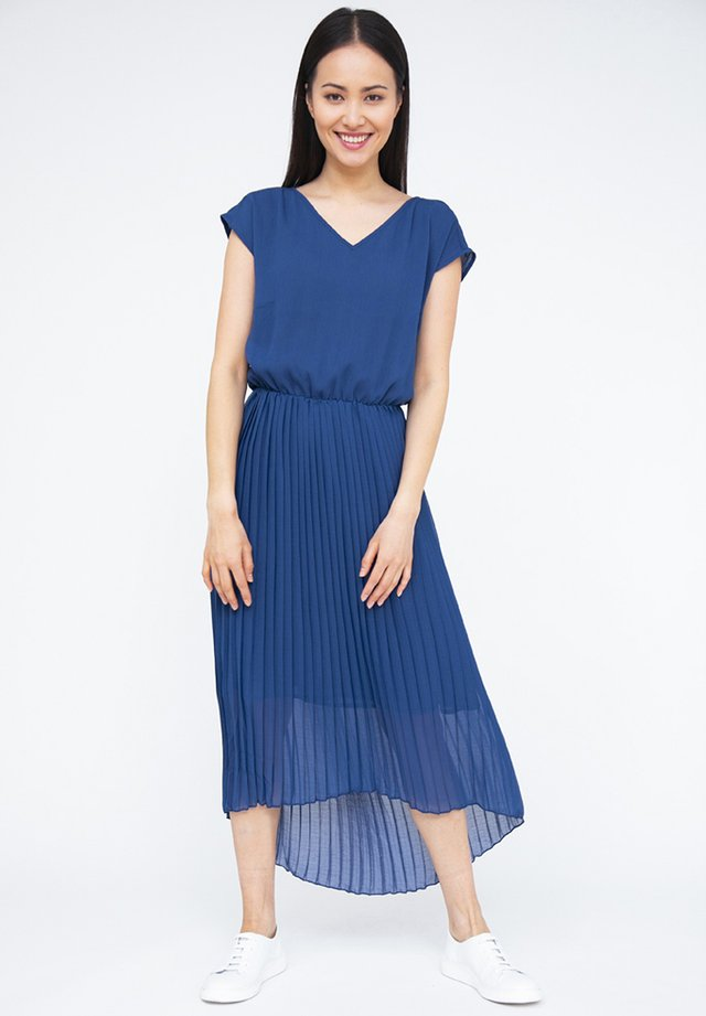 MIT V-AUSSCHNITT - Day dress - navy