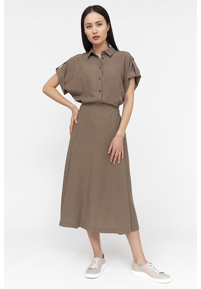 FINN FLARE MIT KRAGEN - Shirt dress - toffy