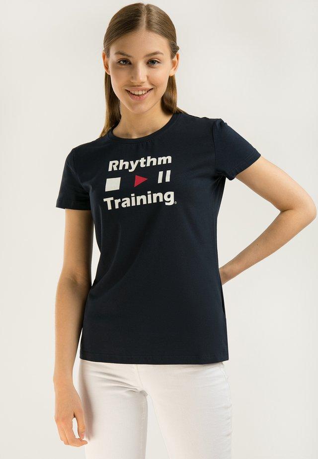 MIT DEM COOLEN FRONT-PRINT - T-shirt imprimé - cosmic blue