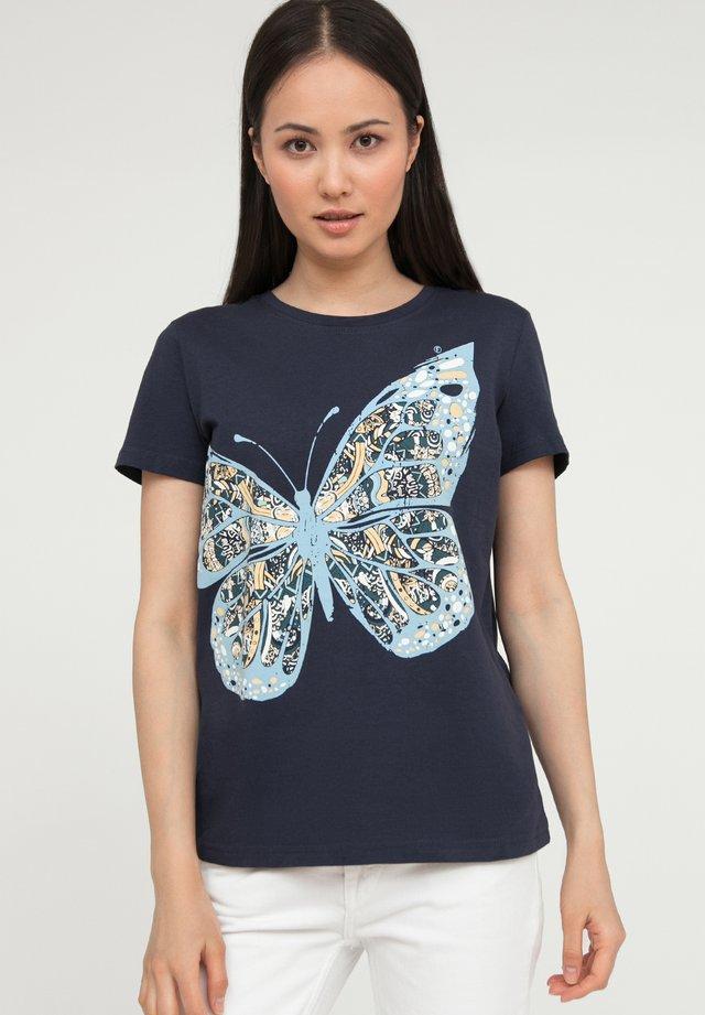 MIT GROSSEM SCHMETTERLINGS-DRUCK - T-shirt imprimé - cosmic blue