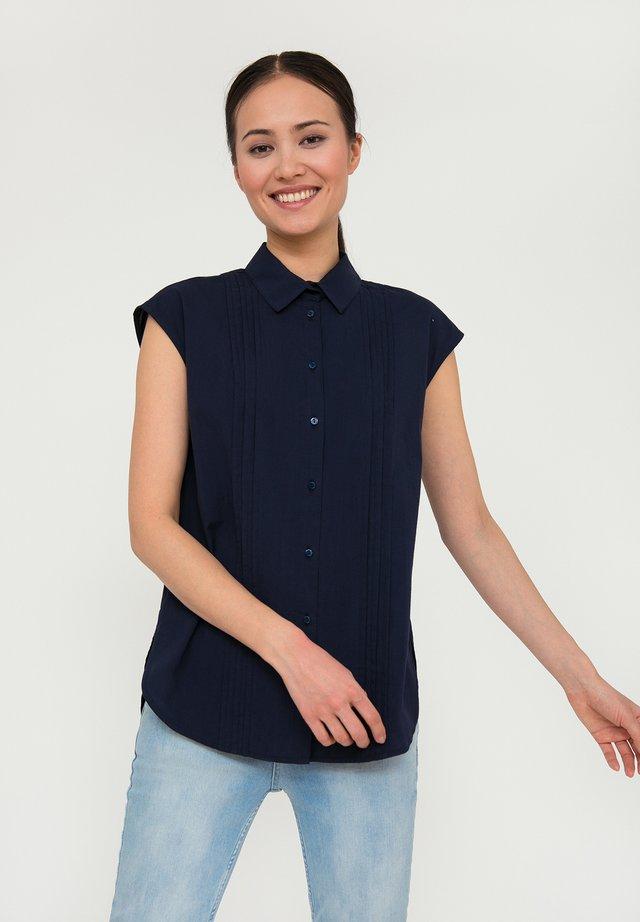 MIT KNOPFVERSCHLUSS - Button-down blouse - cosmic blue
