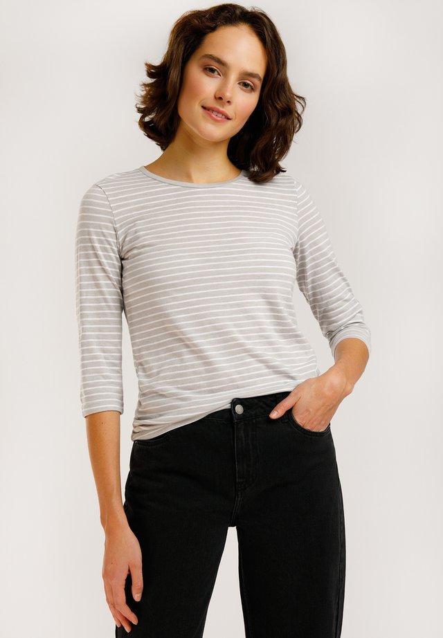 IM STREIFEN-DESIGN - T-shirt à manches longues - light silver mg