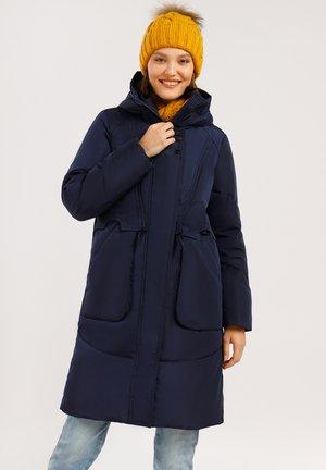 MIT GERÄUMIGEN FRONTTASCHEN - Down coat - dark blue