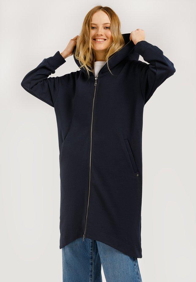 MIT KAPUZE - Classic coat - cosmic blue
