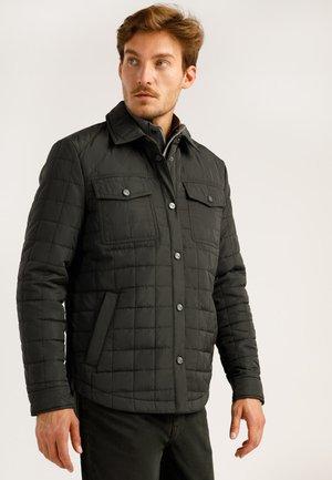 MIT AUFGESETZTEN TASCHEN - Light jacket - graphite