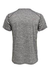 FIRST - T-shirt z nadrukiem - medium grey melange - 1