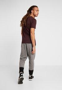 FIRST - FRSDYLAN PANTS - Spodnie treningowe - medium grey melange - 2