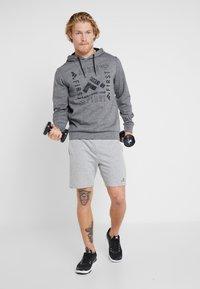 FIRST - HOOD - Bluza z kapturem - medium grey melange - 1