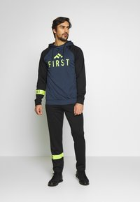 FIRST - FRSSTALO HOOD SWEAT - Mikina s kapucí - blue nights/black/azid lime - 1