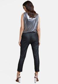 Fiorella Rubino - Trousers - black - 2