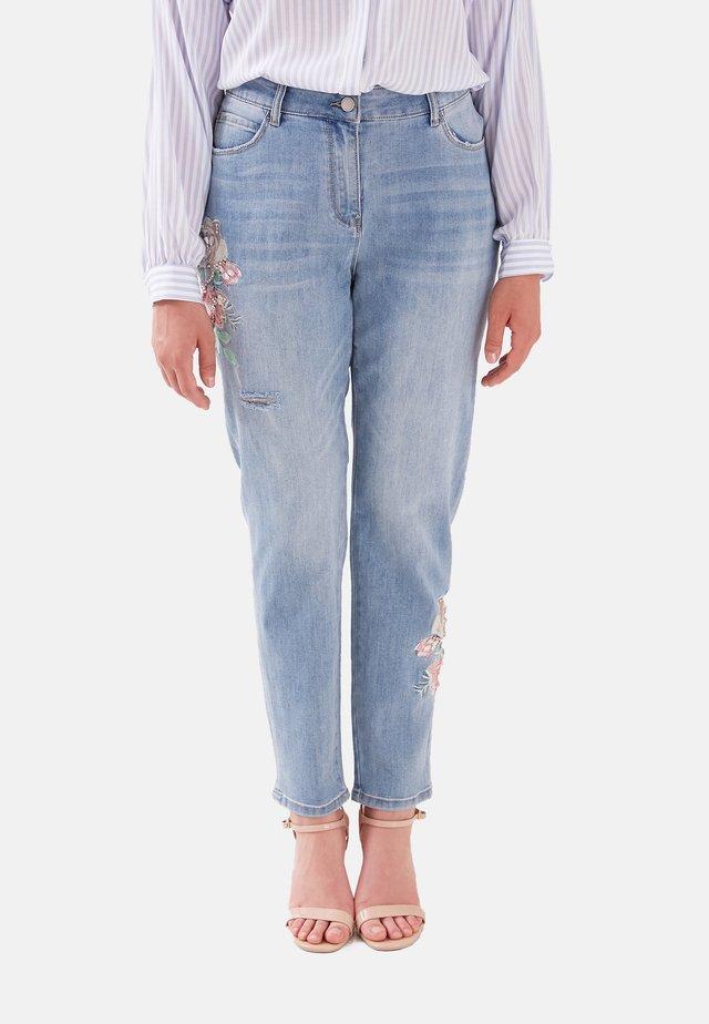 CON RICAMO - Slim fit jeans - blu