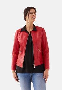 Fiorella Rubino - Faux leather jacket - red - 0