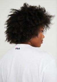 Fila Plus - PURE SHORT SLEEVE - Camiseta estampada - white - 3