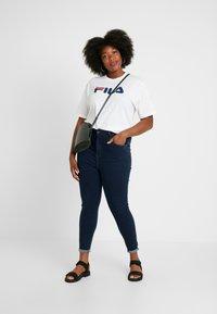 Fila Plus - PURE SHORT SLEEVE - Camiseta estampada - white - 1
