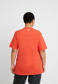 Fila Plus - PURE SHORT SLEEVE - Camiseta estampada - orange - 2