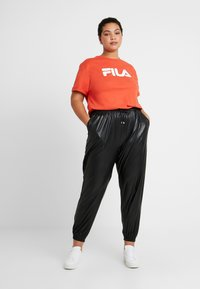 Fila Plus - PURE SHORT SLEEVE - Camiseta estampada - orange - 1