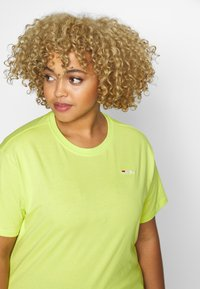 Fila Plus - EARA TEE - T-shirt basic - sharp green - 4