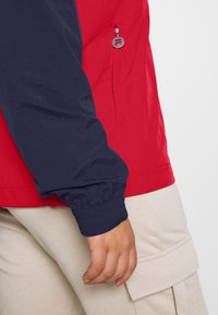 Fila Plus - PAVLINA WING JACKET - Windjack - black iris/bright white/true red - 4