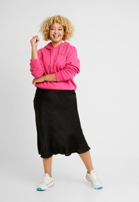 Fila Plus - FLORESHA HOODY - Jersey con capucha - pink yarrow - 1